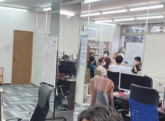 熊本デザイン専門学校の学生が本社見学にいらっしゃいました